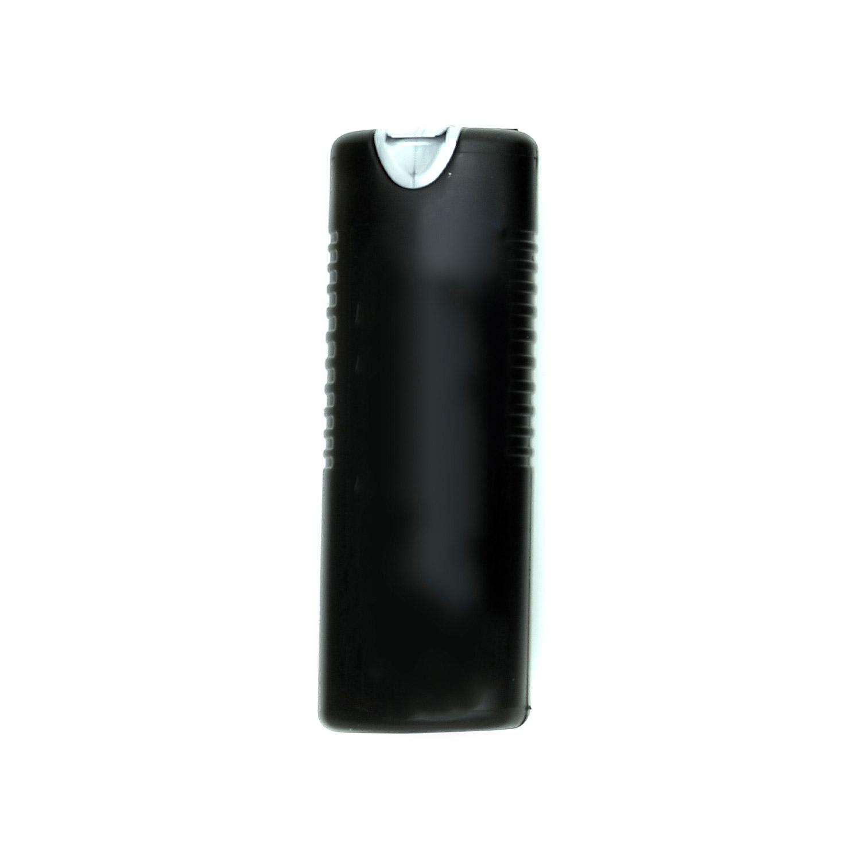 En svart plastflaska